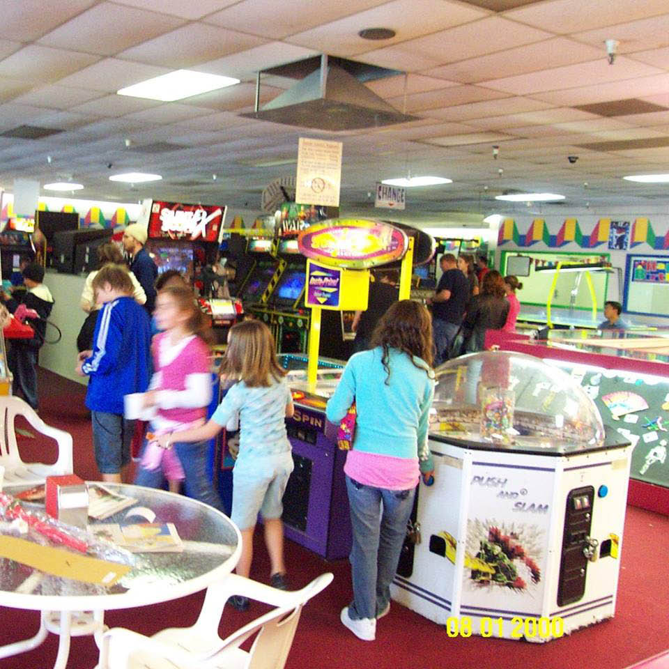 Nickelcade Sandy Coupons, Arcade Coupons, Birthday Party Rooms coupons.
