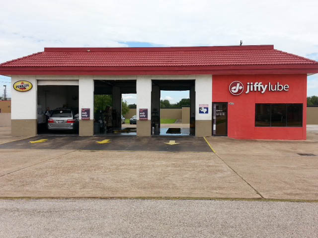 Jiffy Lube Deer Park for automotive service on most vehicles