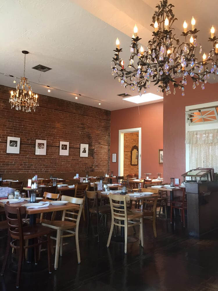dining area at Old Chicago Pizza in Petaluma, CA