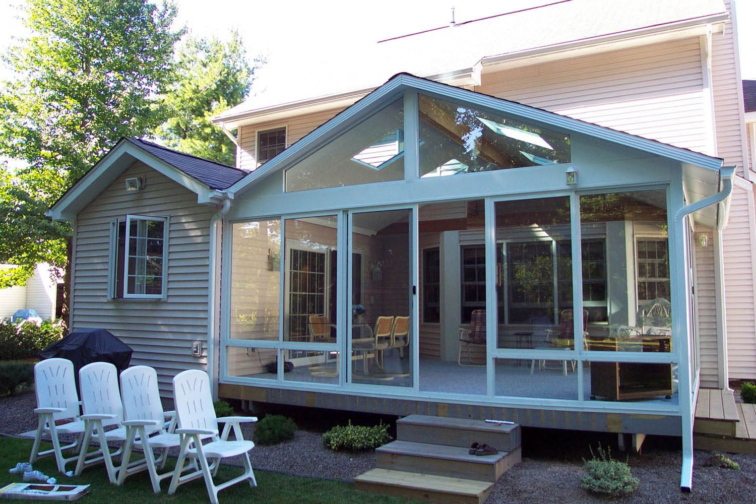 Screen porch enclosures charming home design for Backyard sunroom