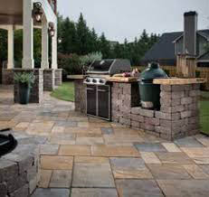 Outdoor-Kitchens-&-Patios