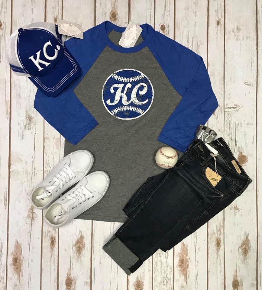 KC shirt, capris, tennis shoes