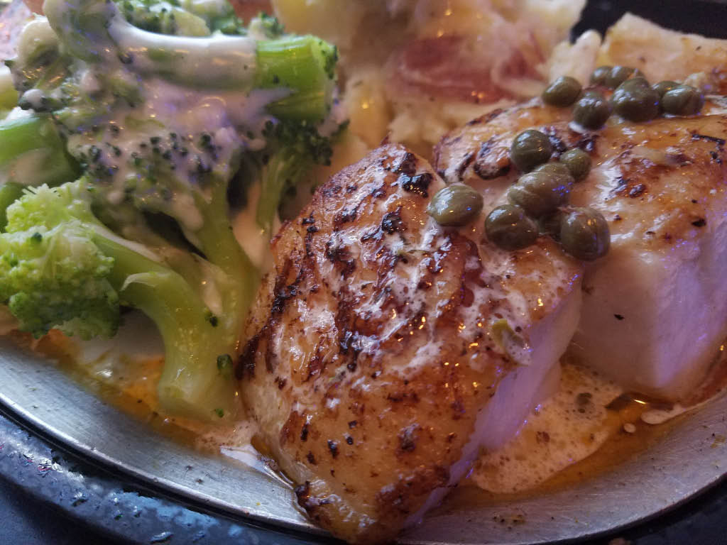 Peppers Pub Franksville WI Chicken Dinners
