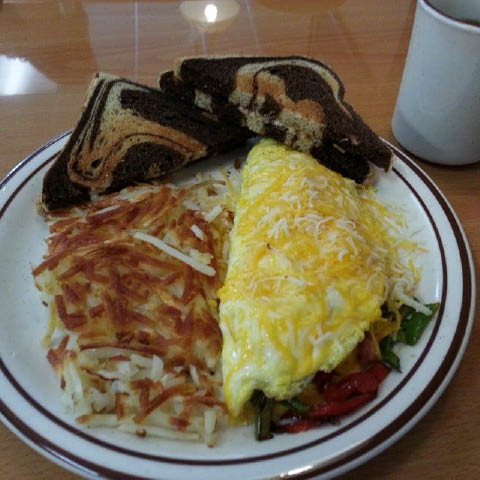 omelette and hash browns; breakfast at Pepper's Cafe