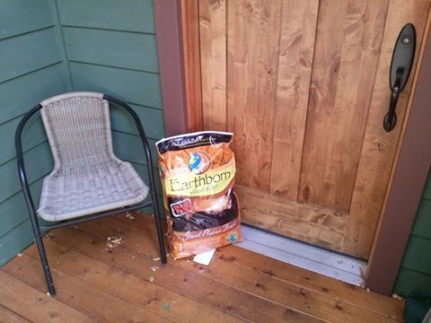 Pet food delivery for dogs and cats in Bellingham, WA: Doorstep Pet Supply