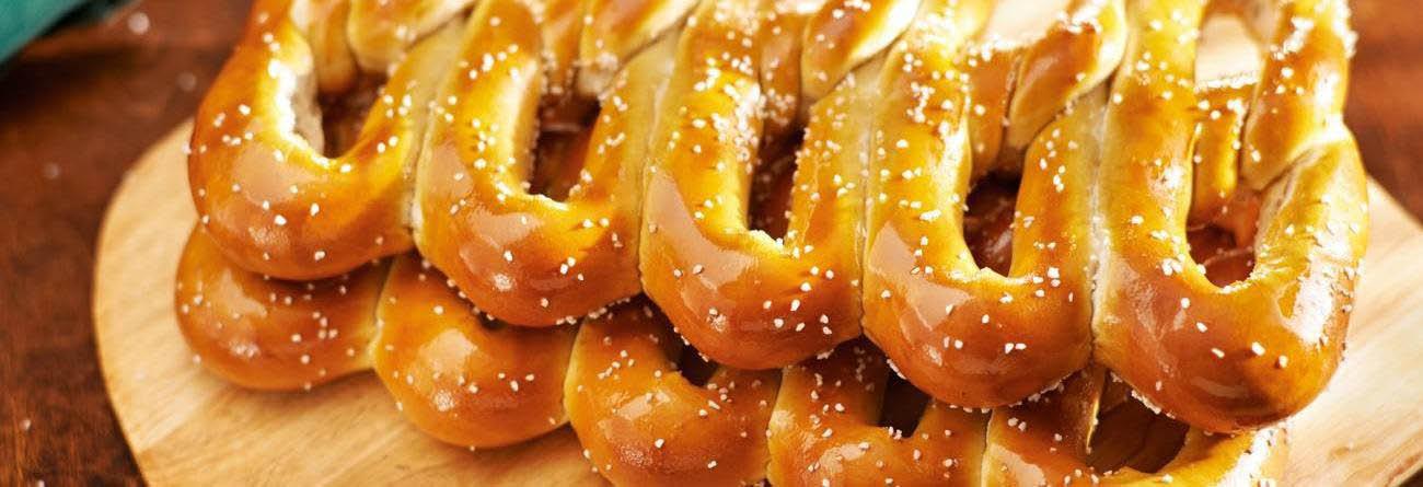 philly pretzel factory,soft pretzel,philly pretzels,cater plates,pretzel, pretzel coupon, valpak