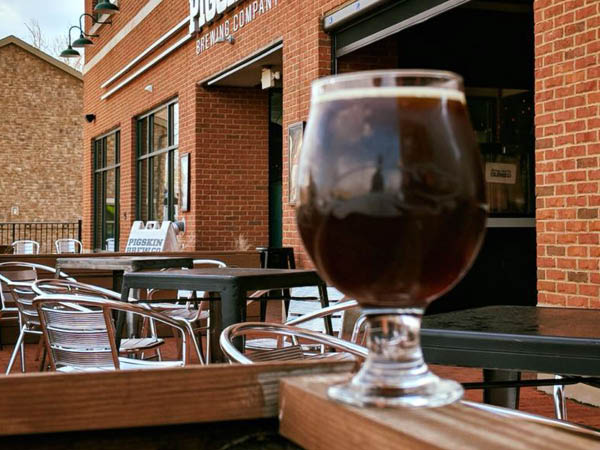 Pigskin Brewing Company drinks on the patio