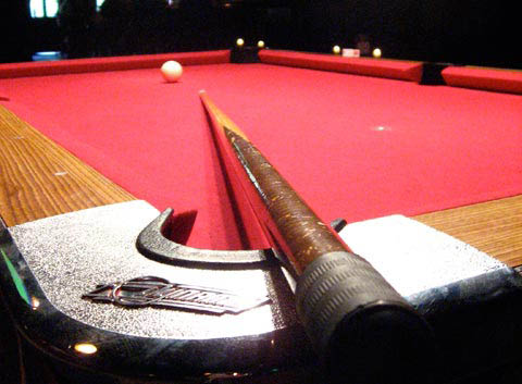 Pool table and pool cue