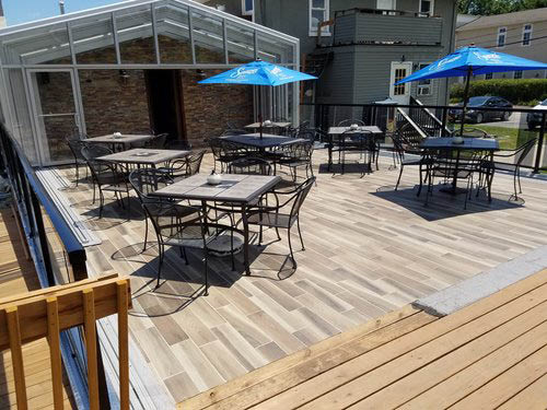 Prairie House Tavern outdoor patio seating