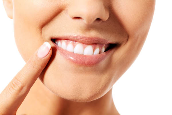 Whiten your teeth with teeth whitening
