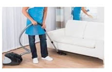Professional floor cleaning in hard to reach areas near Urbandale