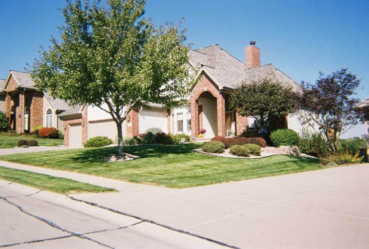 Lawn care and landscape design near Council Bluffs