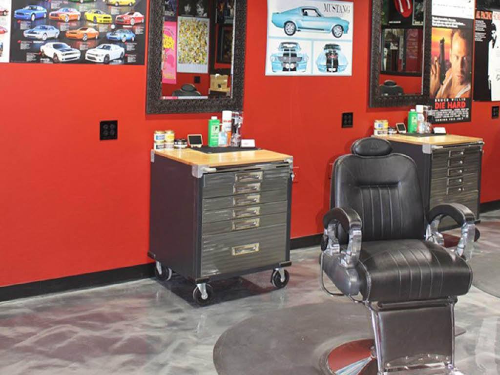 Redline Barbershop booth