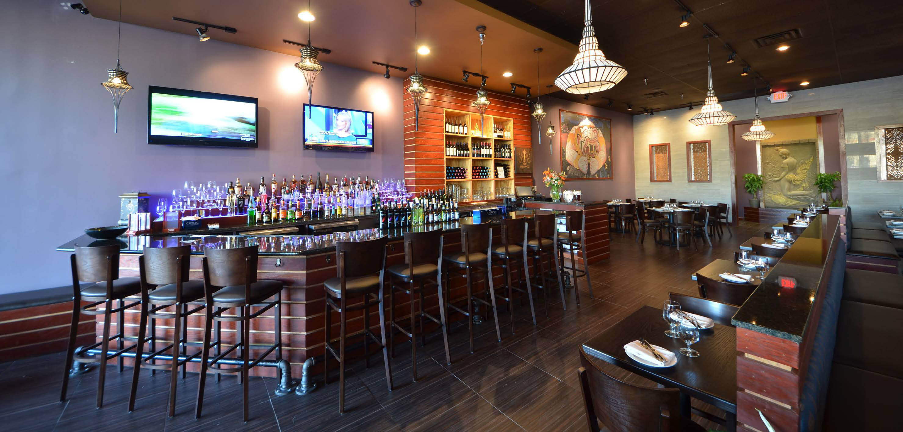 bar, happy hour, beer, wine, rice and spice thai cuisine located in alexandria, va