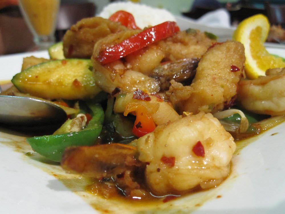 Delicious Thai Food Located in Northridge, CA.