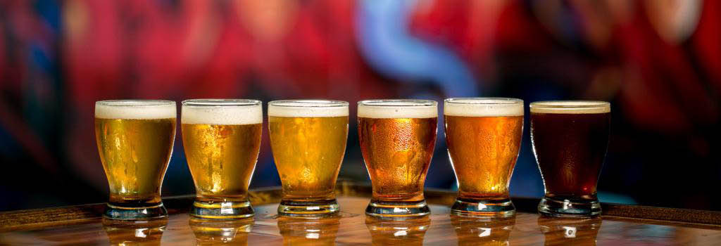 Lots of craft brews, lagers, ales, IPAs and other beers on tap