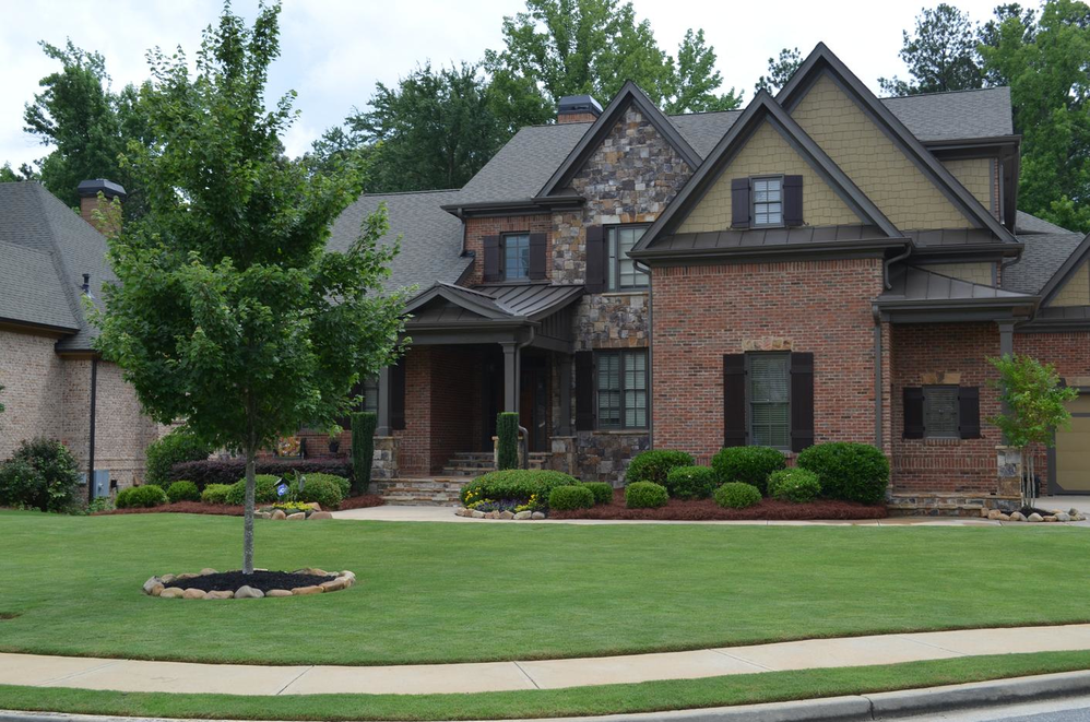 Rivermoore Landscape Group can beautify your Georgia lawn