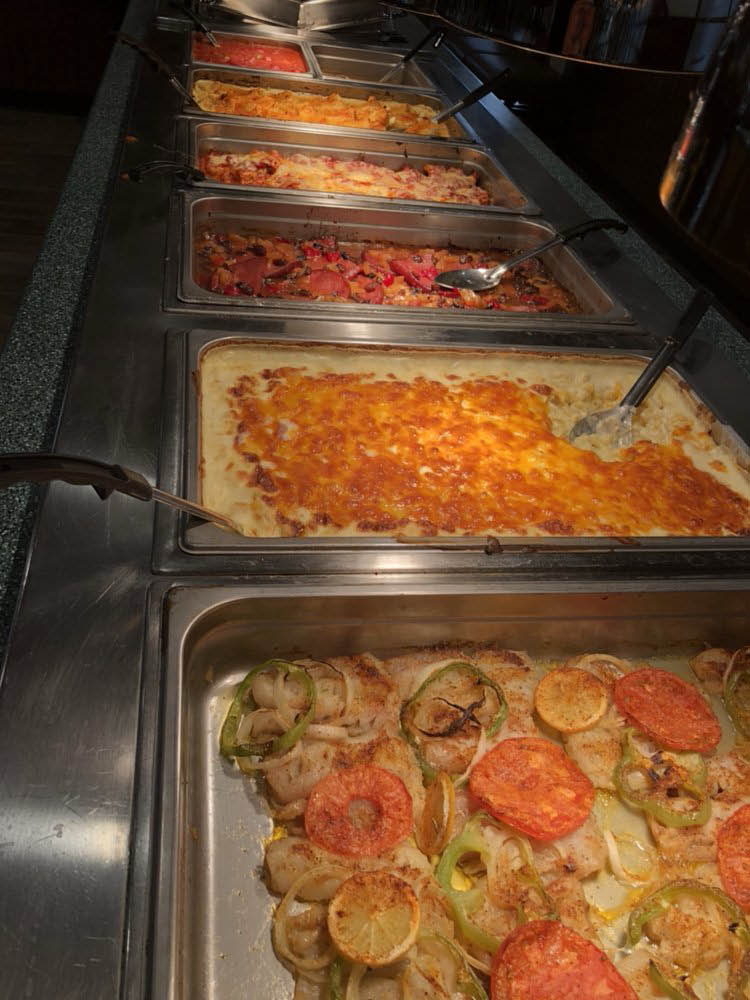 Fresh and hot buffet foods from Roadhouse Restaurant in Carlisle, PA
