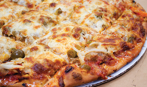 A HOMETOWN CLASSIC Chicago's Greatest THIN CRUST PIZZA