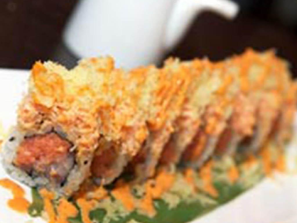Sakana sushi roll
