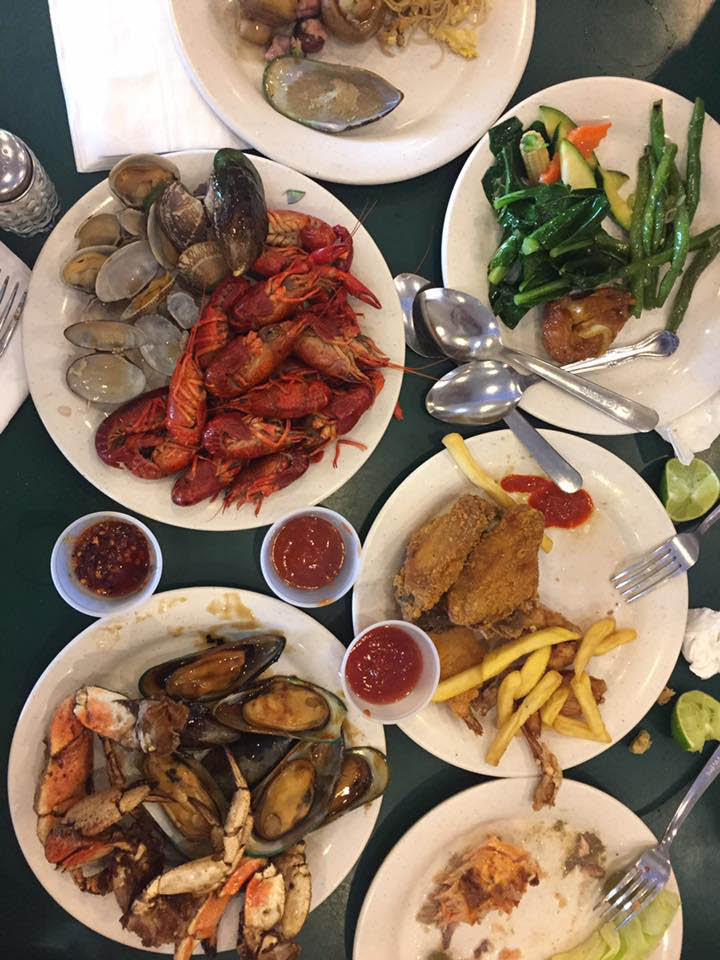 seafood, American, Chinese, Italian, Japanese, buffets, Asian-infused; falls church, va