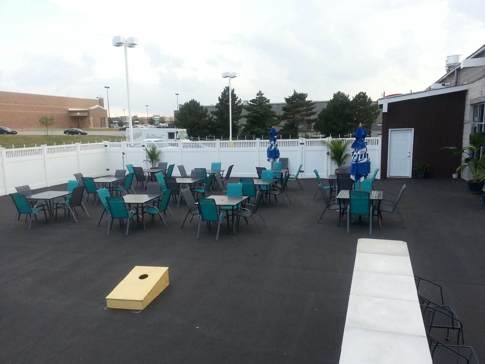 Outdoor Patio at Sam's Tripe Crown Sports Bar located in Orland Hills.
