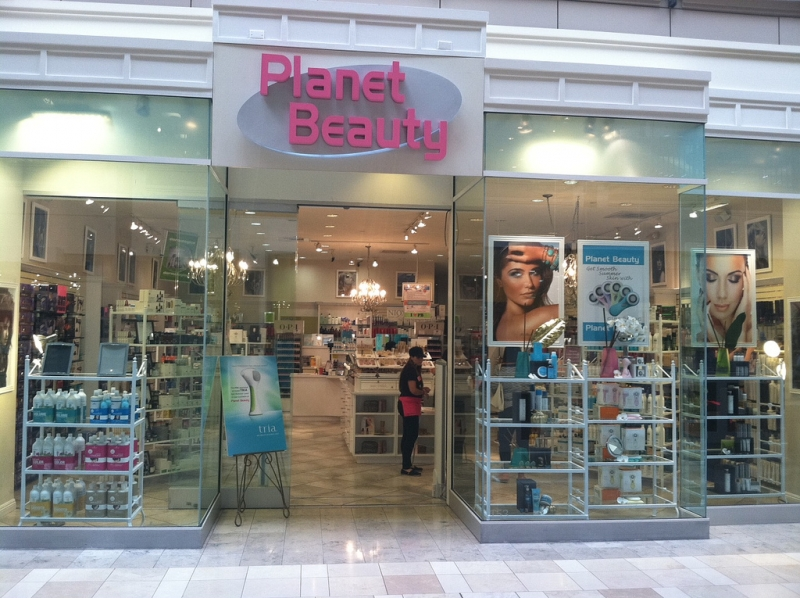 Planet Beauty store in Santa Clara offers best beauty services.