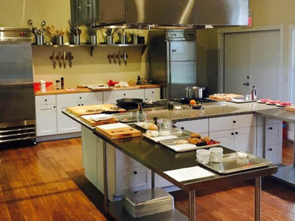 Savoir Wine and Kitchen