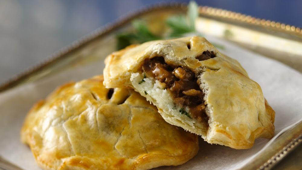 irish pub, irish food, bangers and mash, sheperds pie, fish and chips; wheaton, md