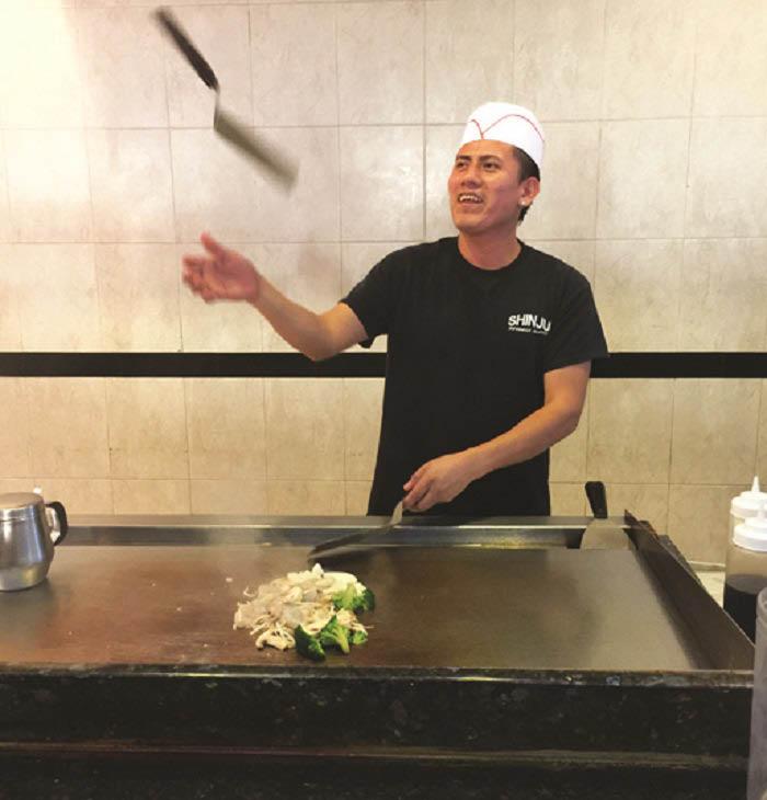 Talented hibachi chef performing near Coconut Creek, FL