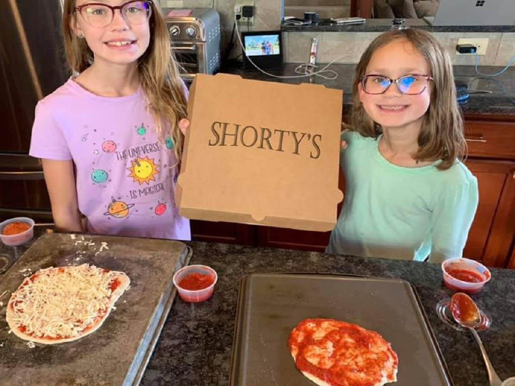 Shorty's Pizza & GROWL kids pizza