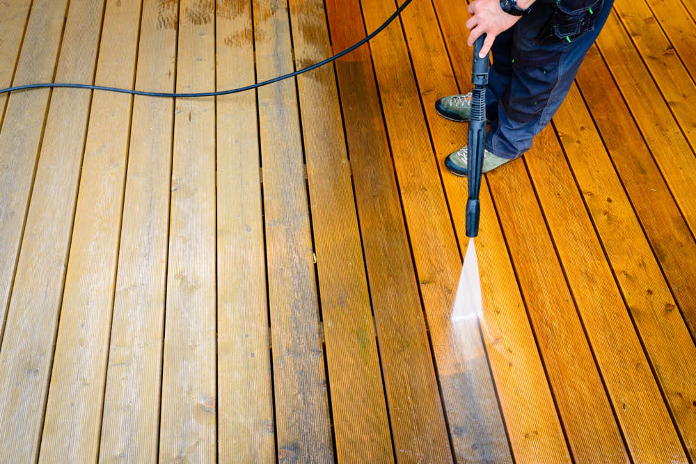 Decks Patios Brick Fences Roofs Concrete Sidewalks Driveways Patios Houses power washing, pressure washing