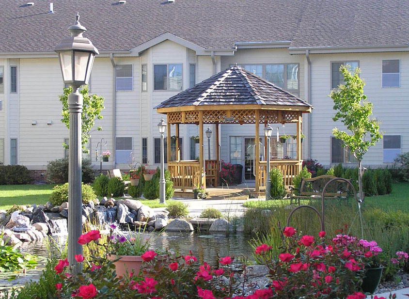 garden at SilverRidge Assisted Living; memory care; dementia support; aging