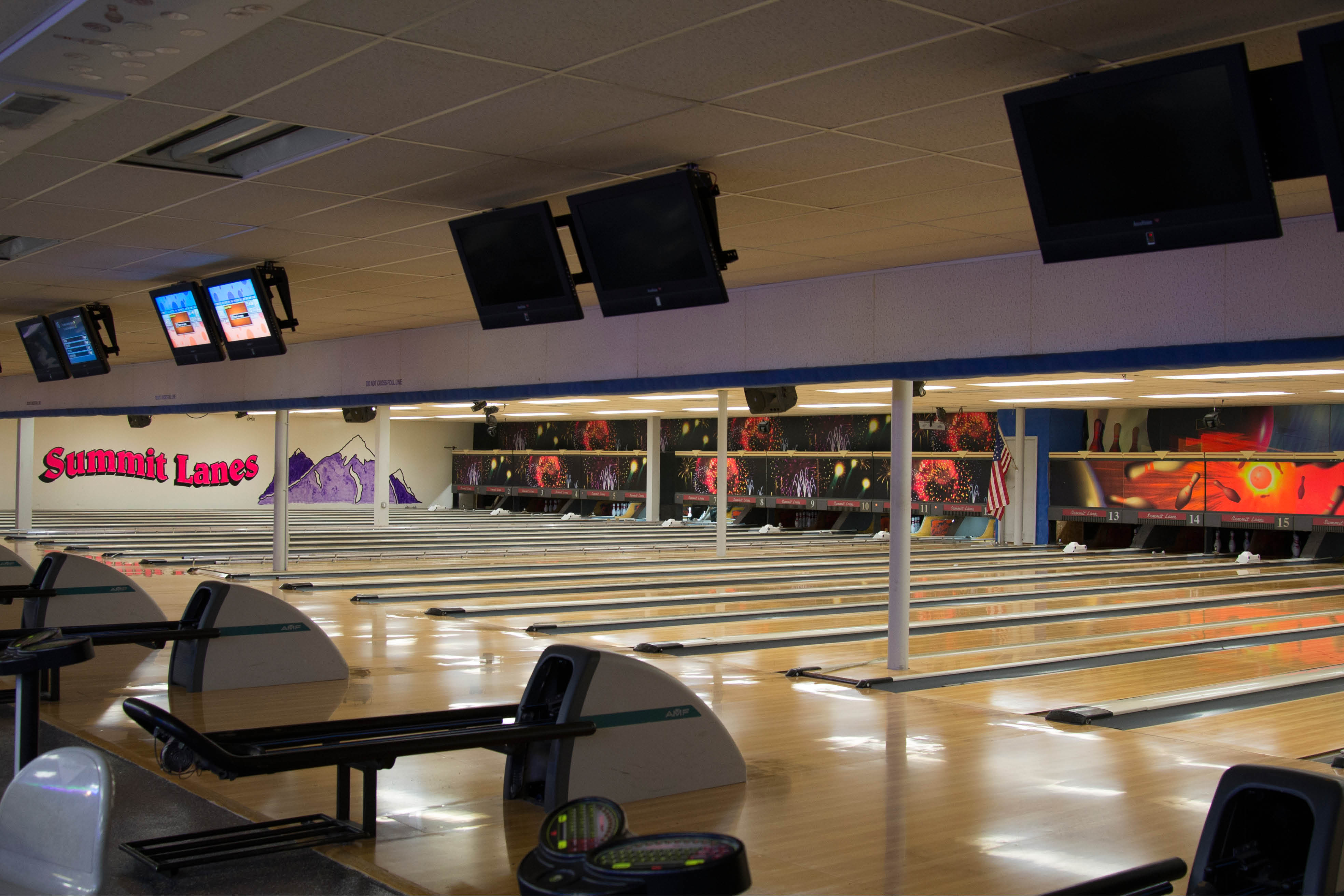 Summit Lanes Bowling Alley Picture