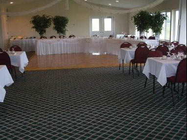 Southern Hills Golf Course has banquet facilities for groups of 8 to 80