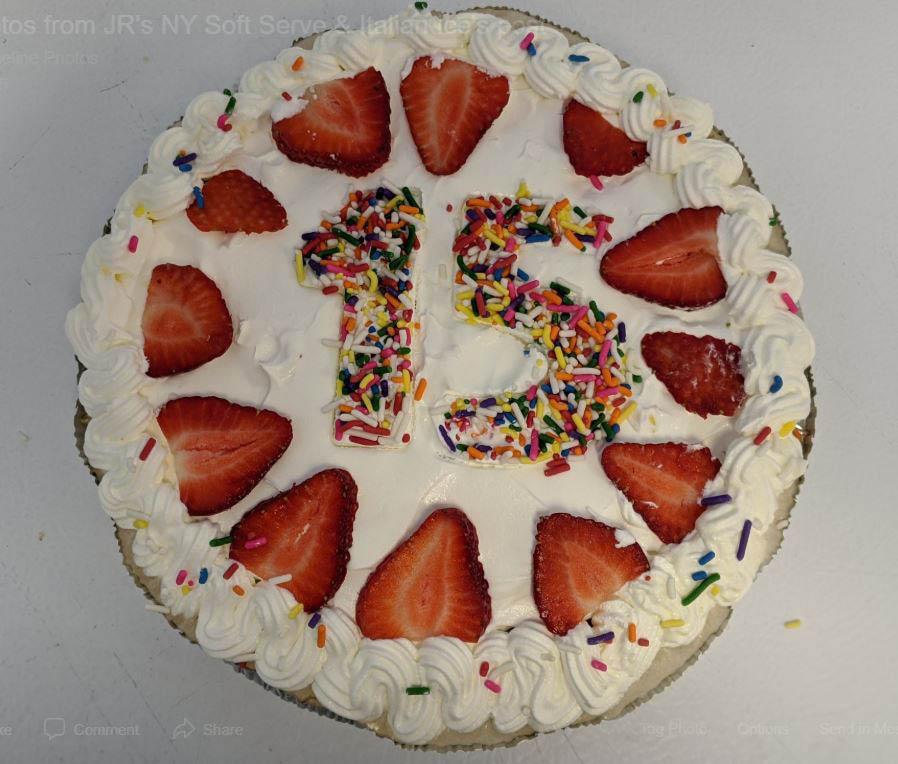 JR's Soft Serve & Italian Ice, specialty ice cream pies, ice cream, Italian Ice, chocolate covered strawberries, milkshakes, ice cream pies, sundaes, ice cream cones, waffle cones, sorbet, Ashburn, VA