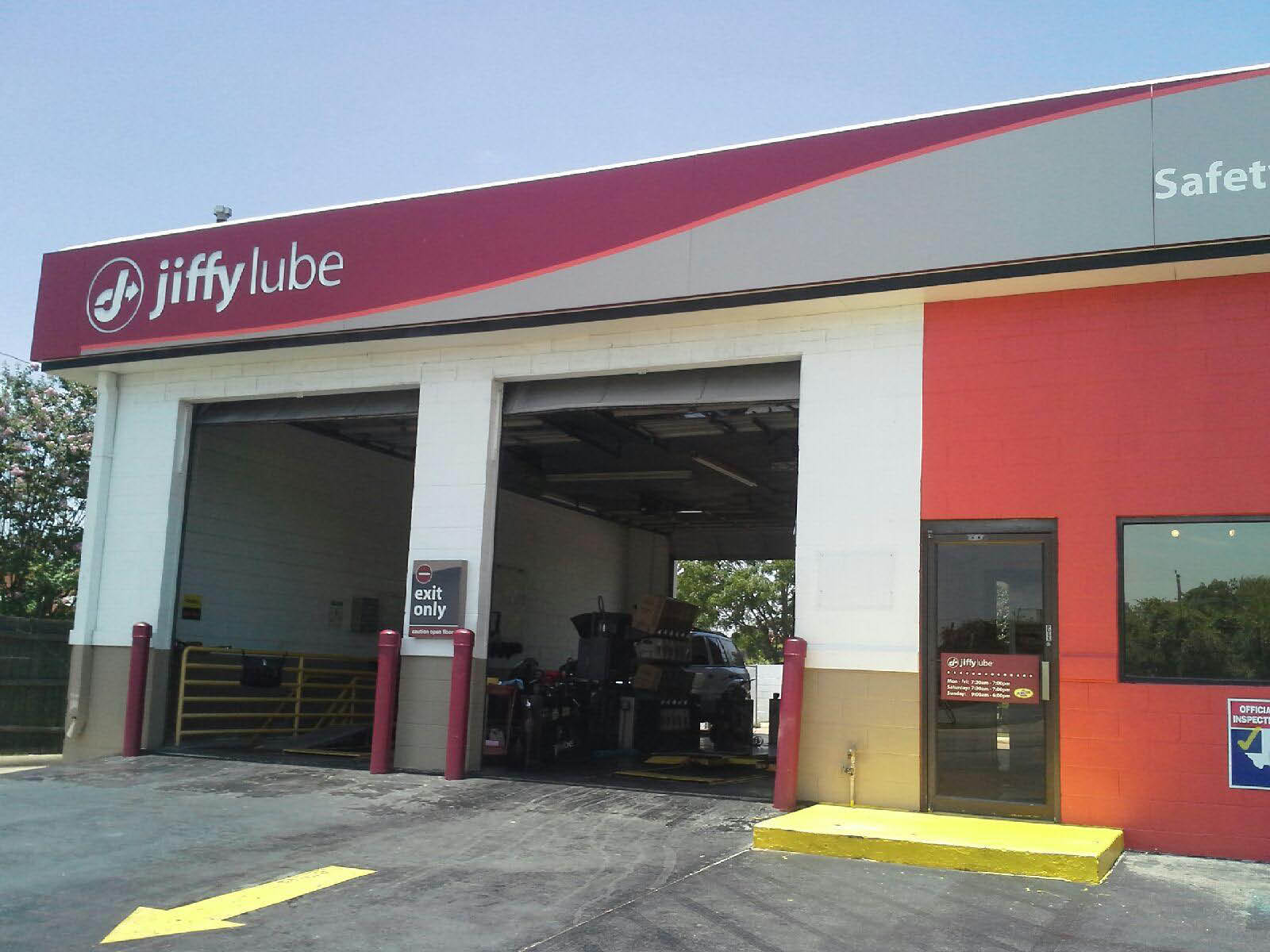 Jiffy Lube in Pasadena, TX offers state inspection services coupons