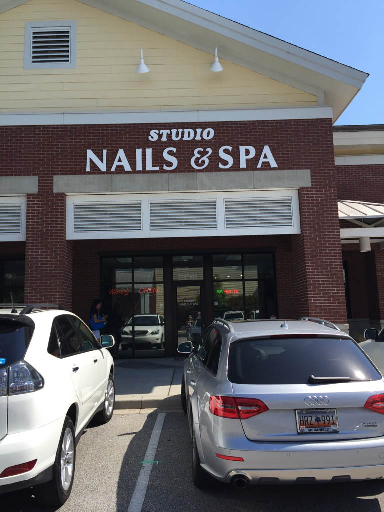 Frontage of Studio Nails & Spa in Mount Pleasant, SC