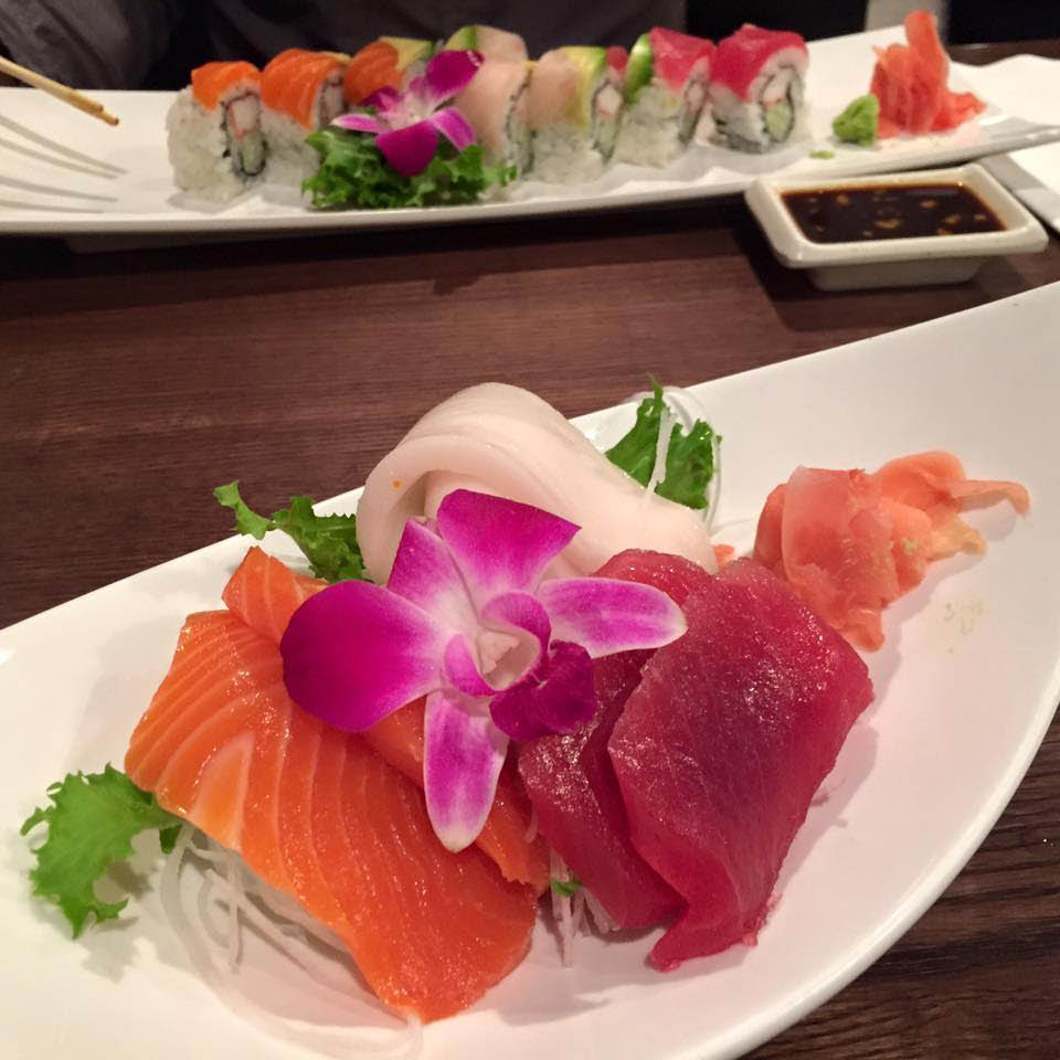 Fresh tuna and salmon sashimi at Sushi One
