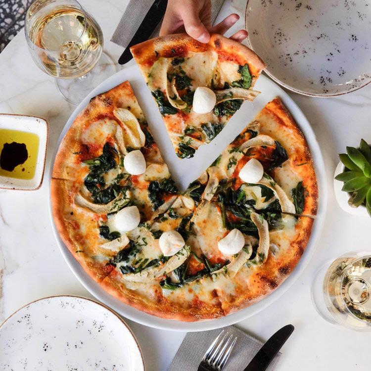 specialty pizza Hyde Park NY