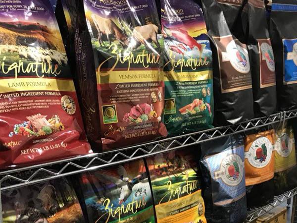 The Pet Market dog food