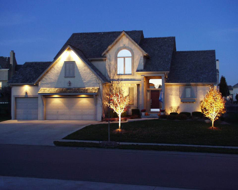 landscape lighting, landscape lighting in kansas city, landscape lighting in missouri, landscape lighting in kansas, landscape lighting in johnson county, landscape lighting in overland park, landscape lighting kansas city, landscape lighting lee's summit
