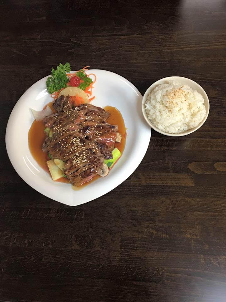 hibachi steak; white rice