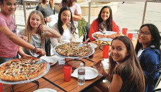 tomato joe's pizza & taps guests