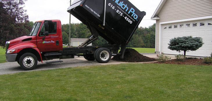 mulch delivery to residential home
