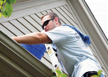 Gutter cleaning service with Uncle Squeegee's Window Cleaning in Sterling Heights, MI
