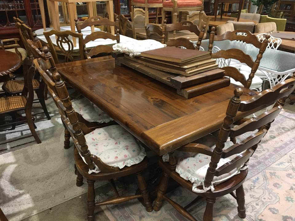 Beautiful used dinette set.
