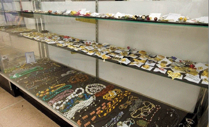 Picture of jewelry and accessories at Value World