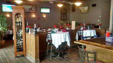Vince's Italian Restaurant & Pizzeria in Pingree Grove interior