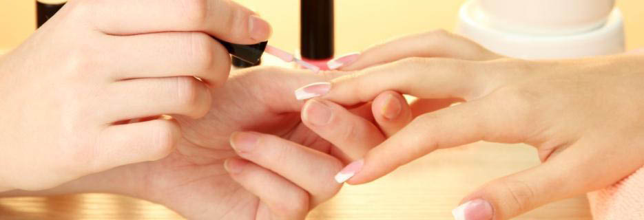Our professionals will give you a long-lasting hand manicure banner